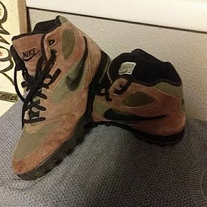 Vintage 90'S NIKE MENS HIKING BOOTS